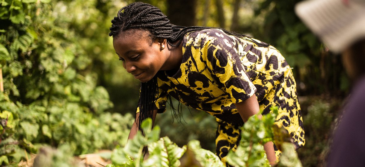 Oluwasunmisola Ojewumi, Class of 2021, helping in SF community garden (long)